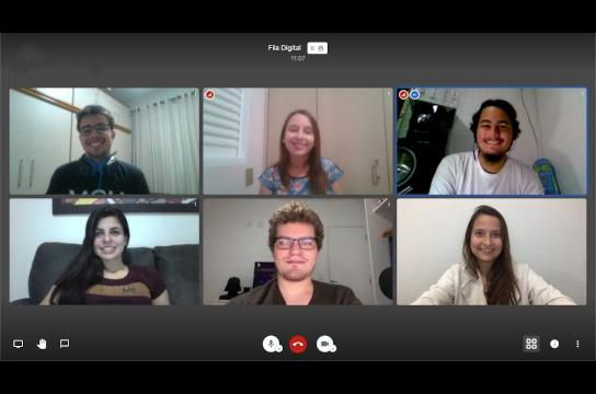 Time Research reunido em webconferência para aprimoramento do aplicativo (Foto: Arquivo pessoal)